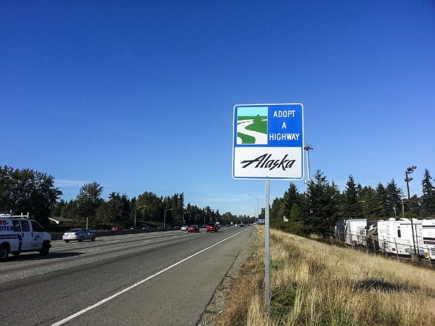 Teamwork Helps WSDOT Accomplish Largest, Single Adopt A Highway Installation